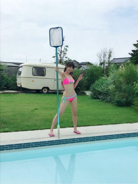 【画像】ハロプロのビジュアルトップ3が際どすぎる激エロ水着を着た結果wwwwwwwww YouTube動画>14本 ->画像>204枚