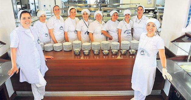 Yemek yaparak hayata bağlanan 13 kadın girişimci!