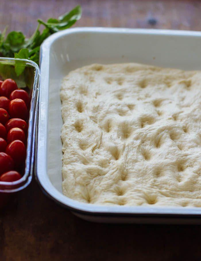 no-knead tomato basil focaccia bread | theclevercarrot.com