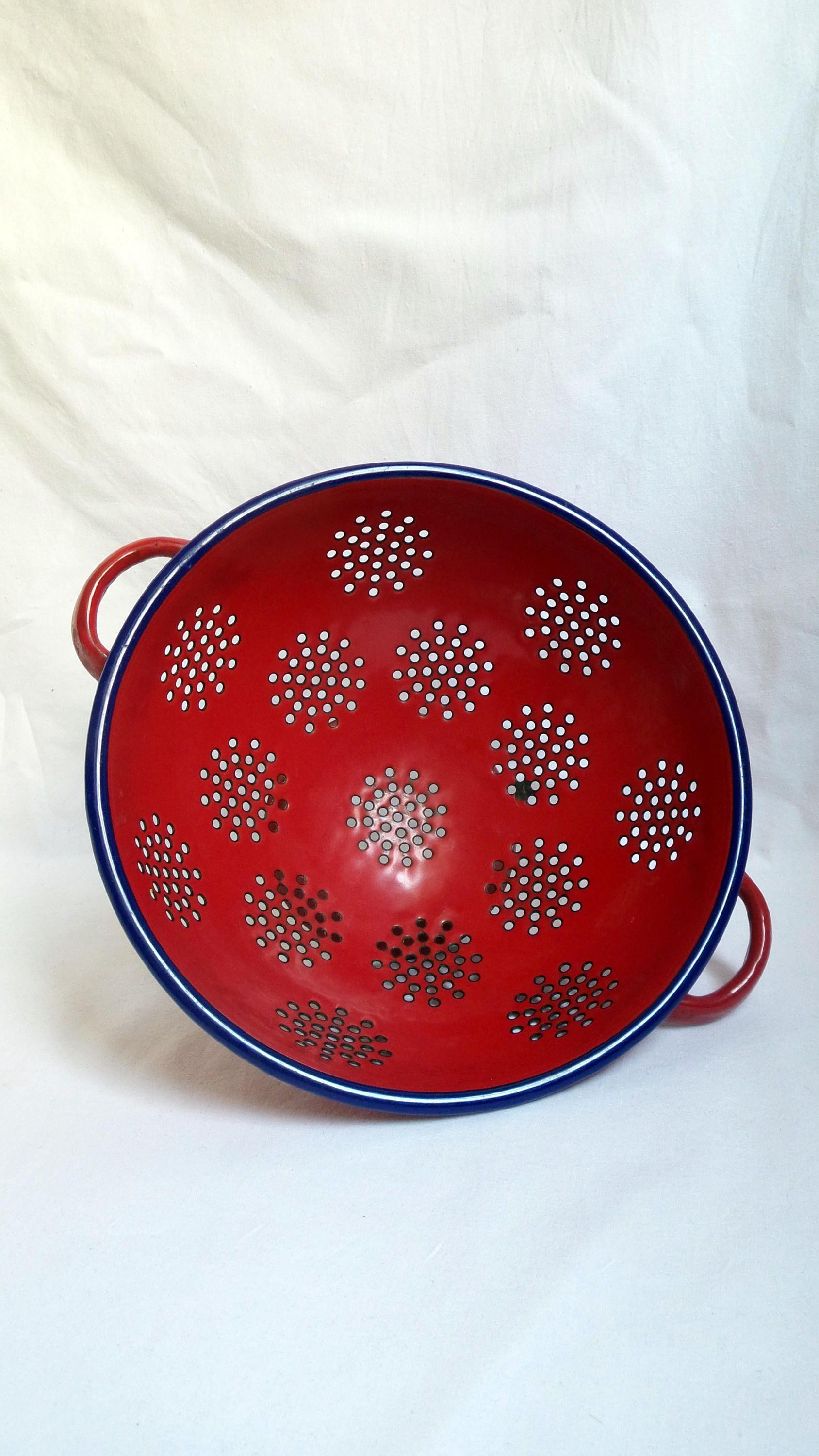 vintage red enamel strainer / accessory kitchen enamel 1960 / 1970