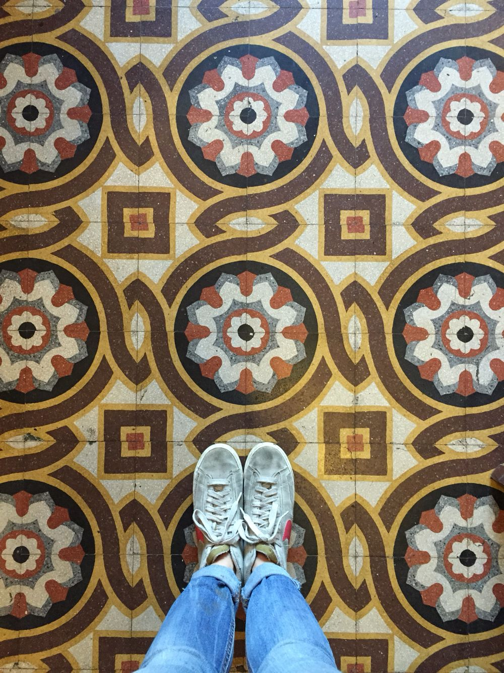 20- 8/15  #MAdesigner #walkingproject photography #pattern #texture #design #architecture project #madeinitaly #900 #art #sanpellegrinoterme #bg #bergamo #tiles #floor