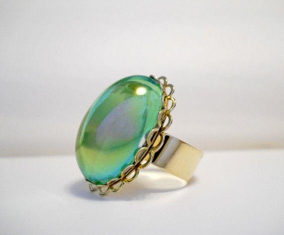 Such a pretty color... I love rings