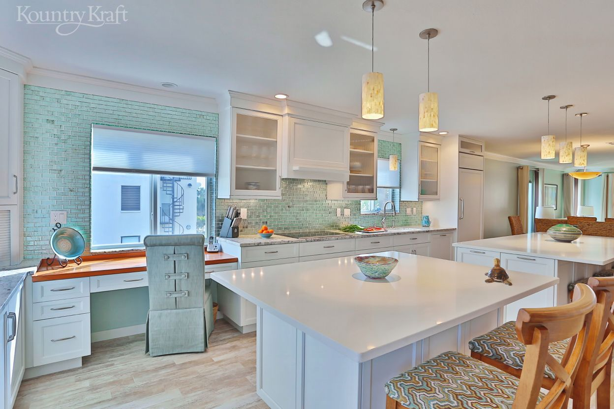 Transitional White Cabinets In Venice Fl Custom Kitchen Cabinets Custom Kitchen Cabinets Design Custom Kitchen Island