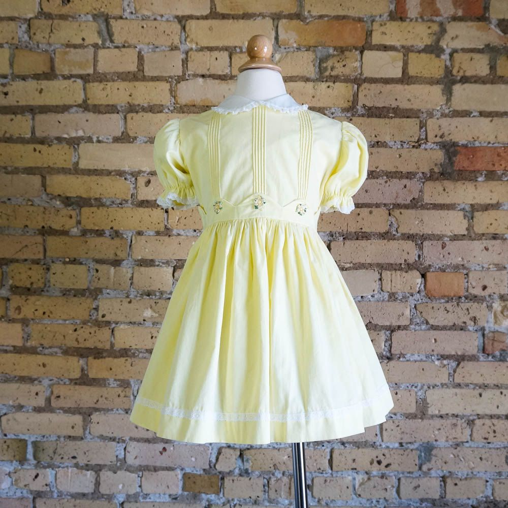 Vintage 1960s Girls Size 5 Dress 60s Cinderella Party Dress Pale Yellow Cotton Pintucked Bodice Flower Embroidery Gathered Waist Dresses 60s Dress Size Girls [ 1000 x 1000 Pixel ]