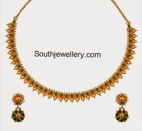 Indian Simple Gold Necklace Designs Antique finish 22 cara...