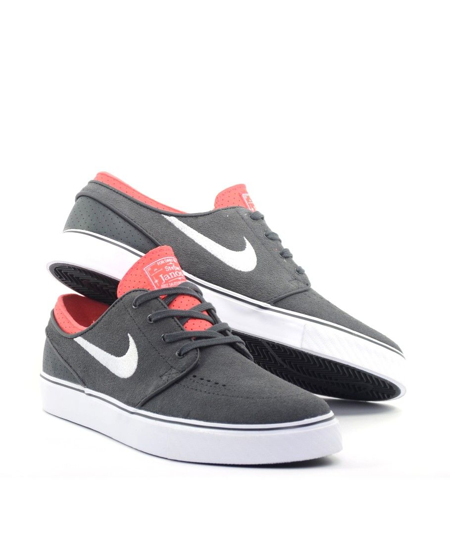 competitive price 28d9e 00c58 Wear these traditional-style Nike Zoom Stefan Janoski Summit skate shoes  whether youre headed to the gym, park, or trail. These sho…