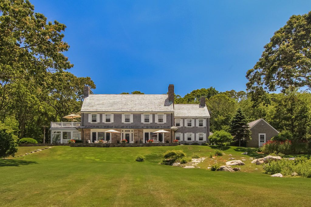 Prep For Summer At This Mansion On Preppy Fishers Island Mansions Island House Preppy House