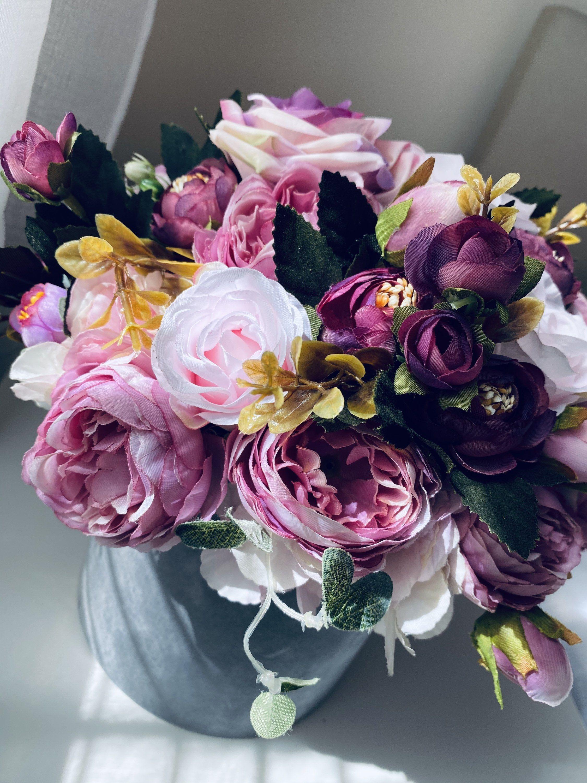 Flower Bouquet Flowers In Uk Wedding Bouquet Centerpiece Etsy In 2020 Flowers Bouquet Flowers Bouquet Gift Flowers