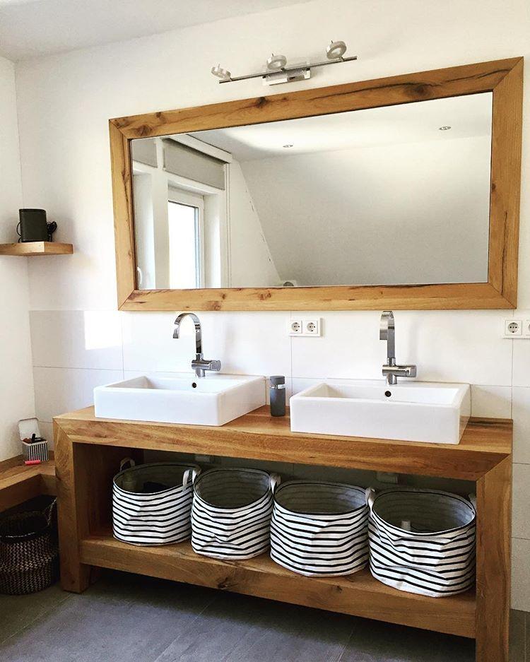 Waschtisch Passend Zum Spiegel Ebenfalls Aus Eiche Altholz Weiter Geht S Mit Der Familienserie Badezimmer Badezimmer Holz Waschtisch Holz Waschtisch