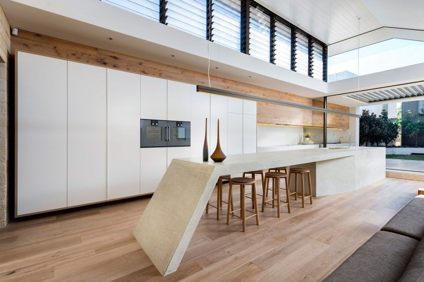 Weststyle Design & Development Designs a Contemporary Home in ...