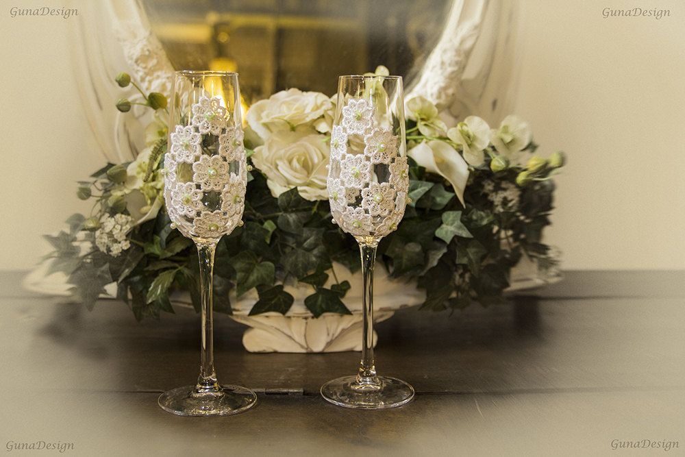 White Lace Wedding Toasting Champagne Glasses by Gunadesign by gunadesign on Etsy