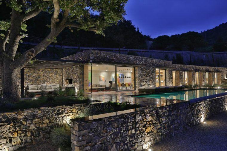 maison en pierre design extérieur moderne piscine design | Villa de ...