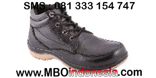 Sepatu Adventure -