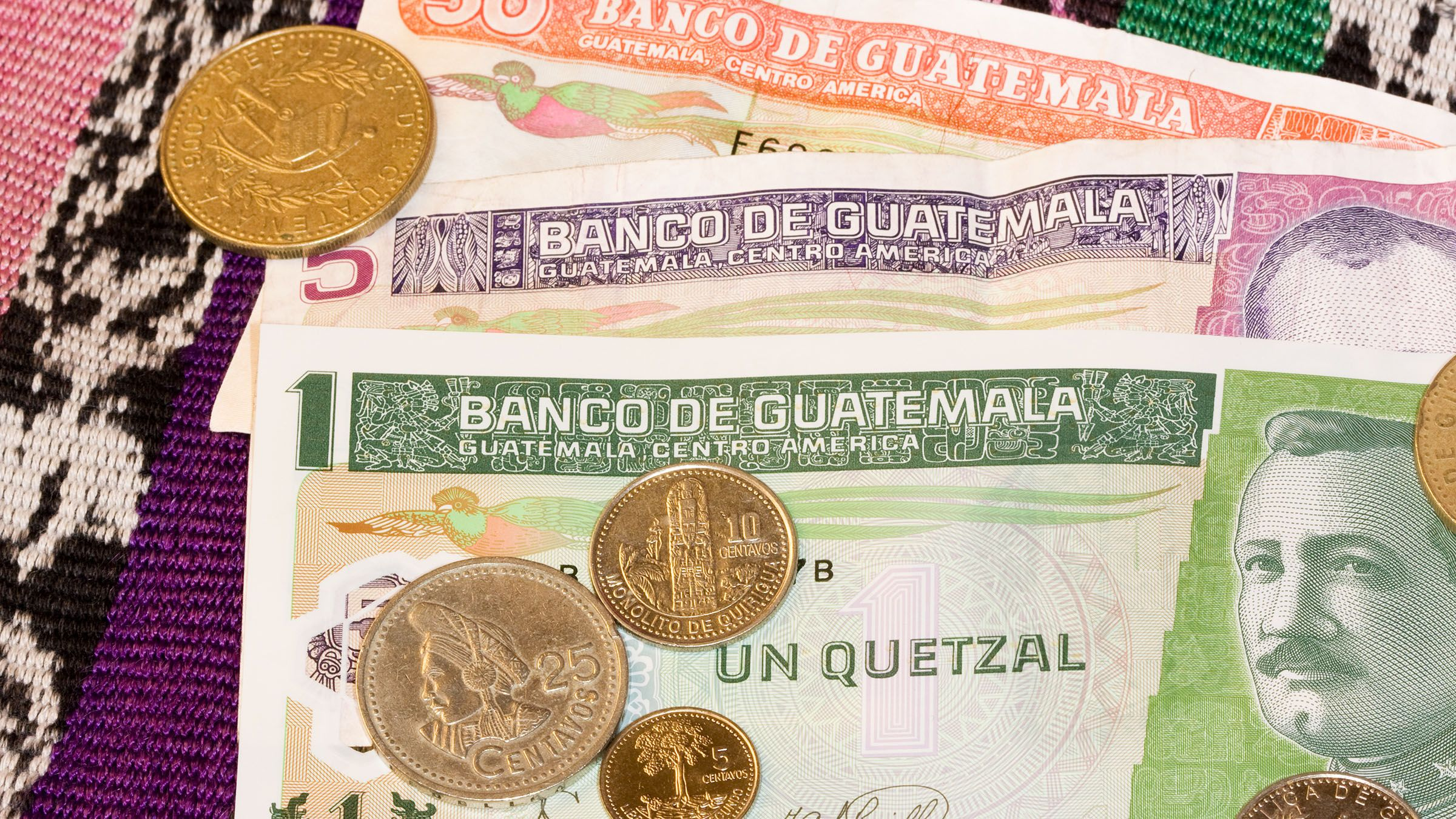 El Quetzal La Moneda Oficial De Guatemala Traveling By Yourself Guatemala Guatemala City