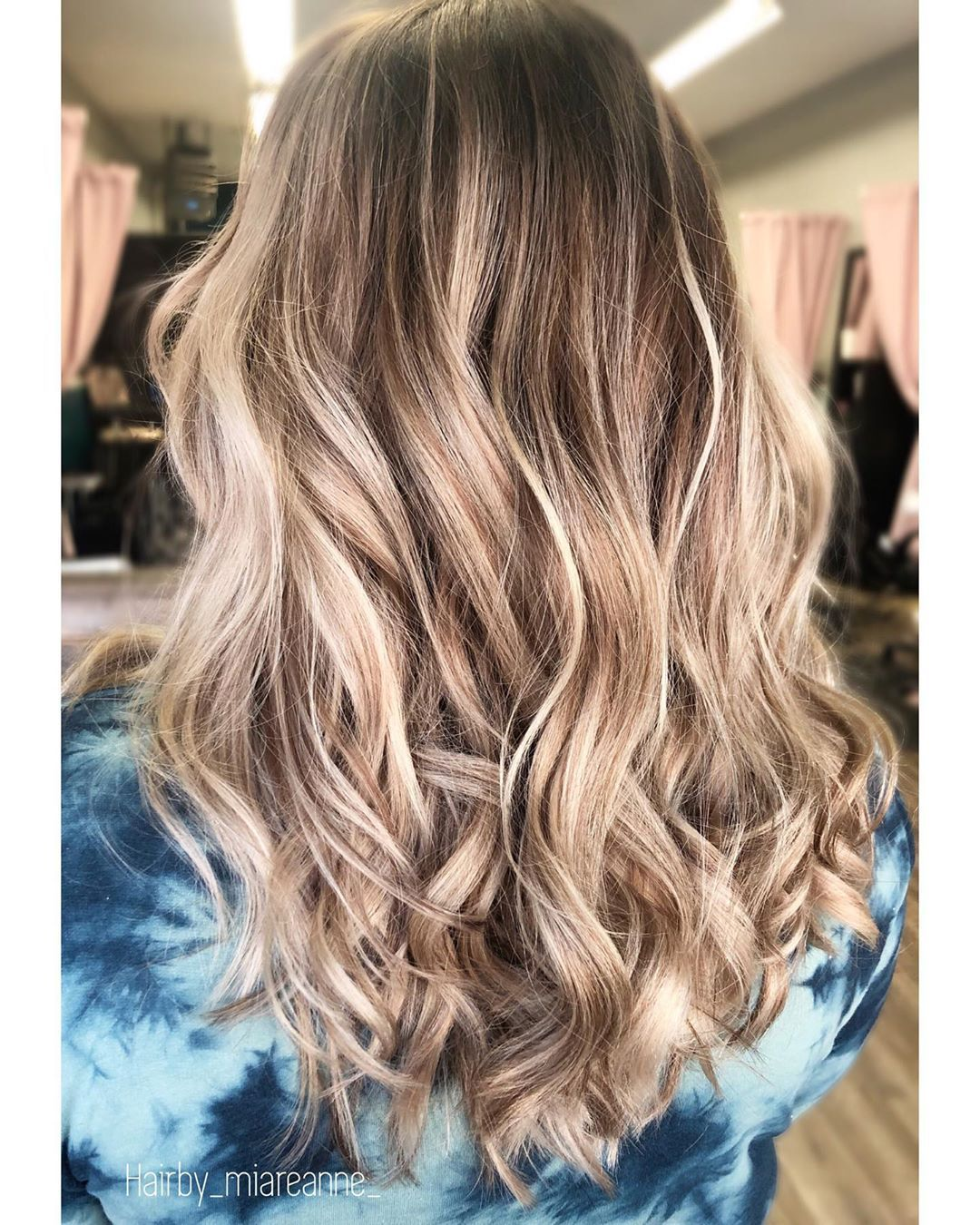 In This Pin We Share Different Hair Color Ideas Hair Color Blonde Hair Color Ideas For Brunettes Blonde Hair Color Short Hair Lengths Medium Length Hair Styles