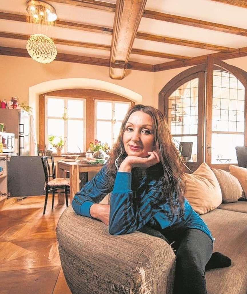 hanka rackwitz mieten kaufen wohnen maklerin leidet an zwangst rungen gesundheit und. Black Bedroom Furniture Sets. Home Design Ideas