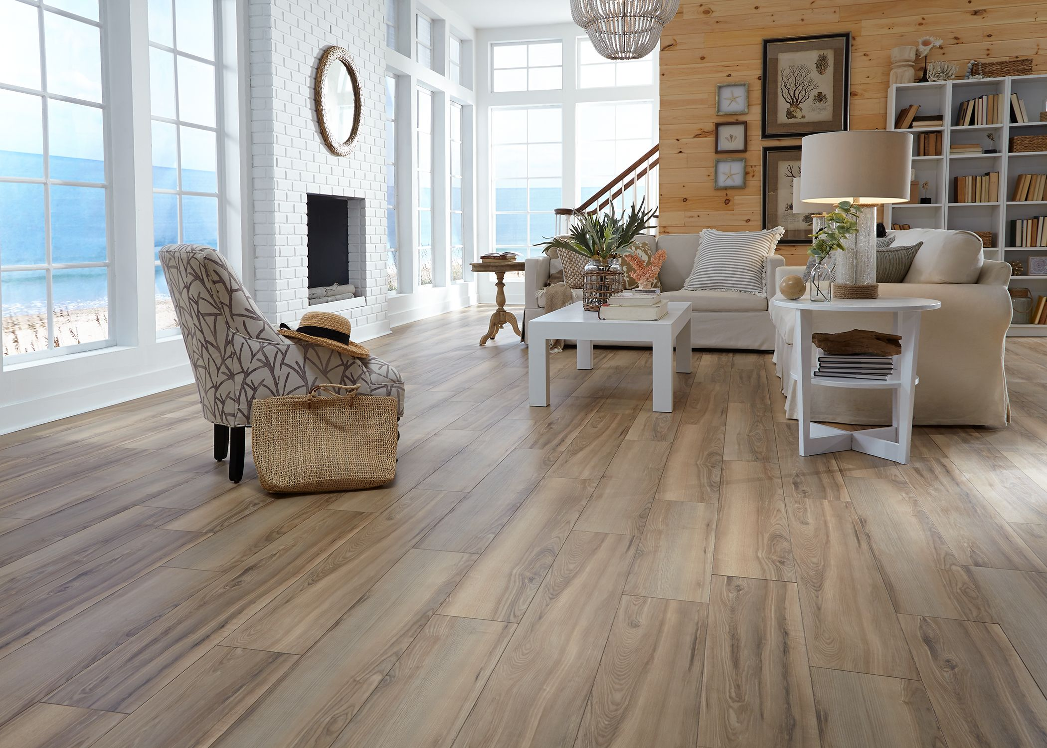 The Warm Caramel Tones Of Sunswept Ash Create A Casual Inviting Space Whorls Of Grain And Occasional Knots Create The Look And Home Home Living Room Flooring