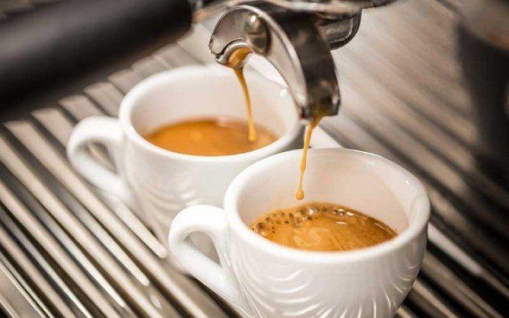 Best Small Espresso Machine 2019: For the Perfect Espresso at Home #espressoathome