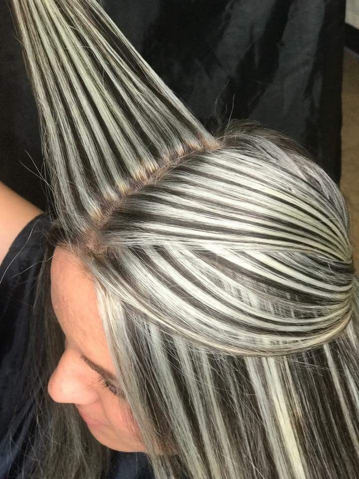 Me Encanta In 2019 Hair Hair Styles Gray Hair Highlights