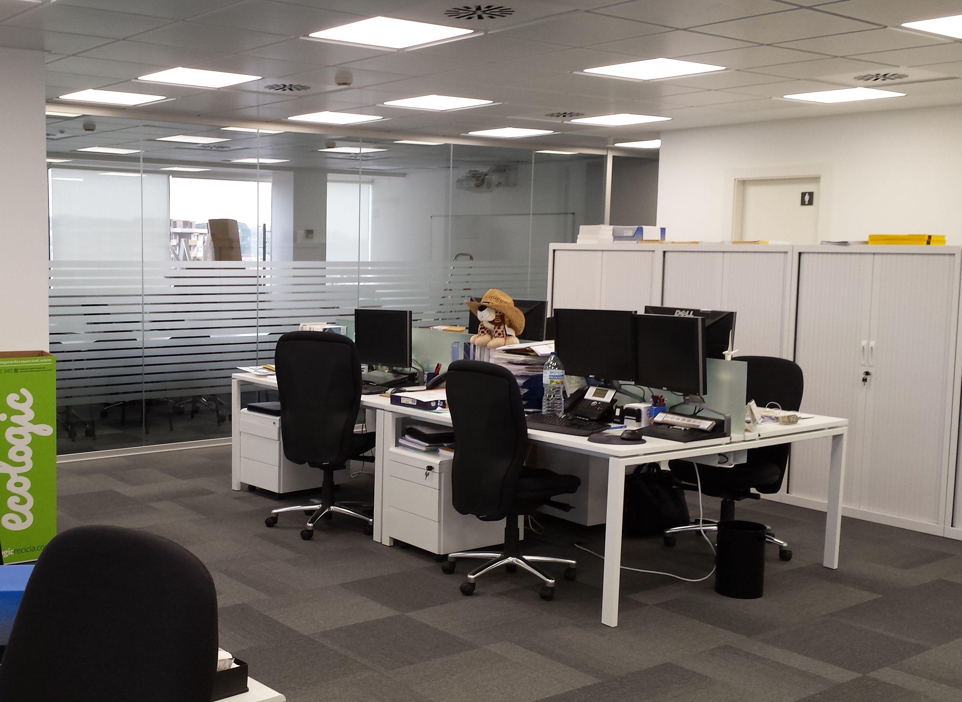 Rotulaci N De Las Oficinas De Harting Espacio Central Con Vinilo  # Muebles Serrano Villahermosa