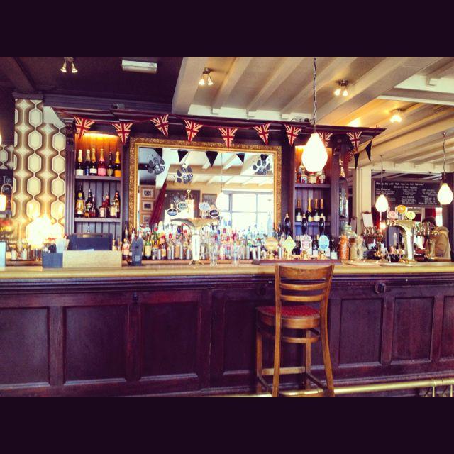 Scottish Pub Bar: Traditional English Pub