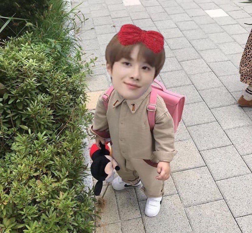 Pin Oleh Melon Di Jw Meme Kpop Nct Selebritas
