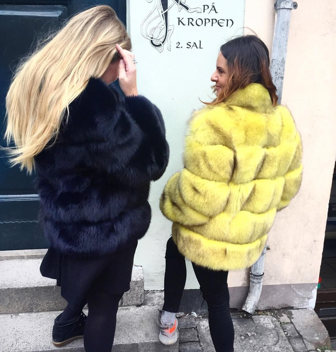 """79 Likes, 2 Comments - Emilie Dusine Rex Lindkilde 🦇 (@emilierex) on Instagram: """"Black n' Yellow 🐝"""""""