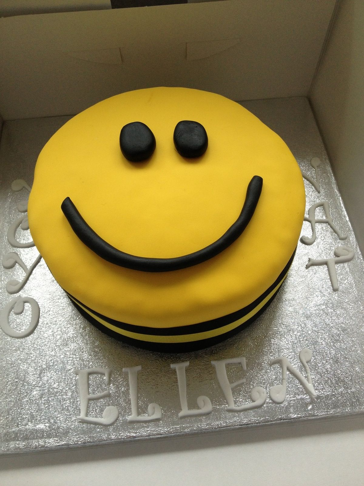 Smiley Face Cake Smiley Faces Pinterest Smiley