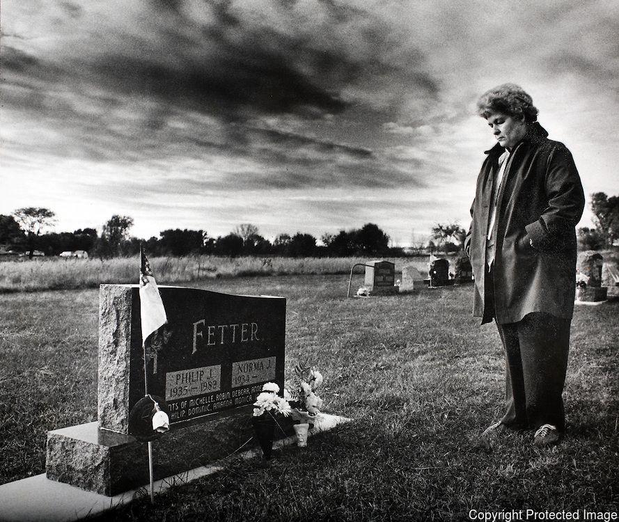 Suicide. pulitzerprize-farm crisis018.JPG | David Peterson Photography