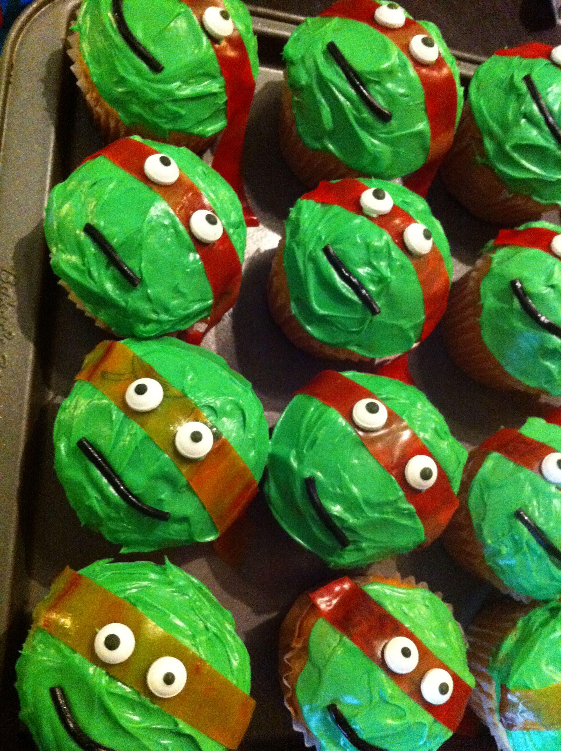 Ninja fruit cut - Teenage Mutant Ninja Turtle Cupcakes Orange And Red Fruit Roll Ups For The Mask