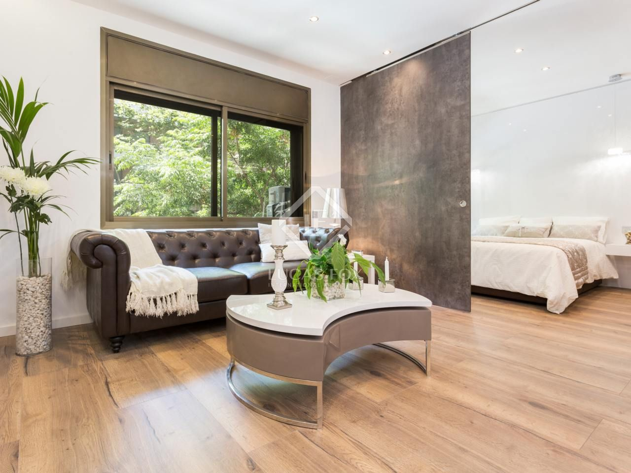 Modern 2-bedroom apartment for sale in Les Corts ...