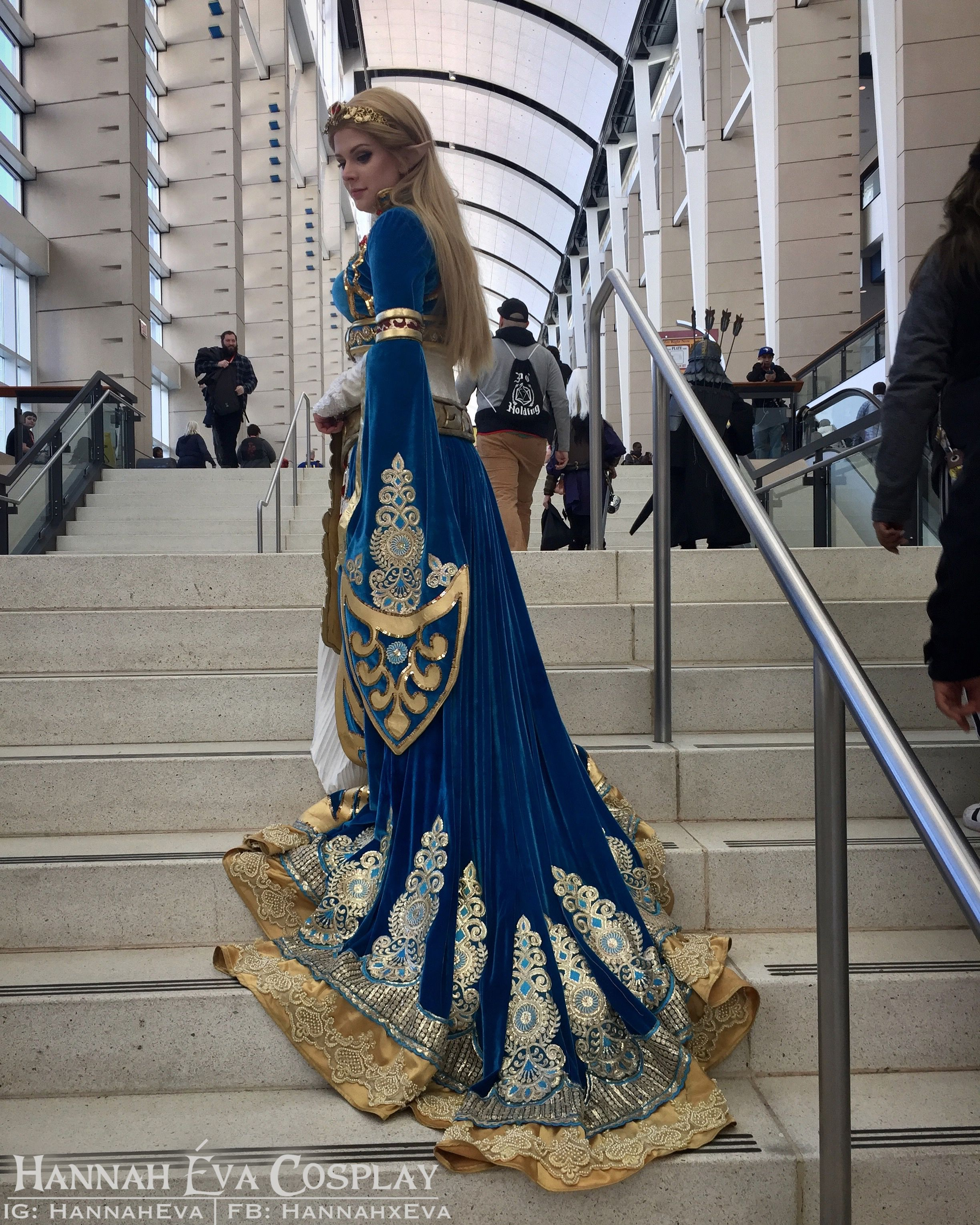 Photo of Princess Zelda – Breath of the Wild Royal Gown Cosplay by Hannah Éva