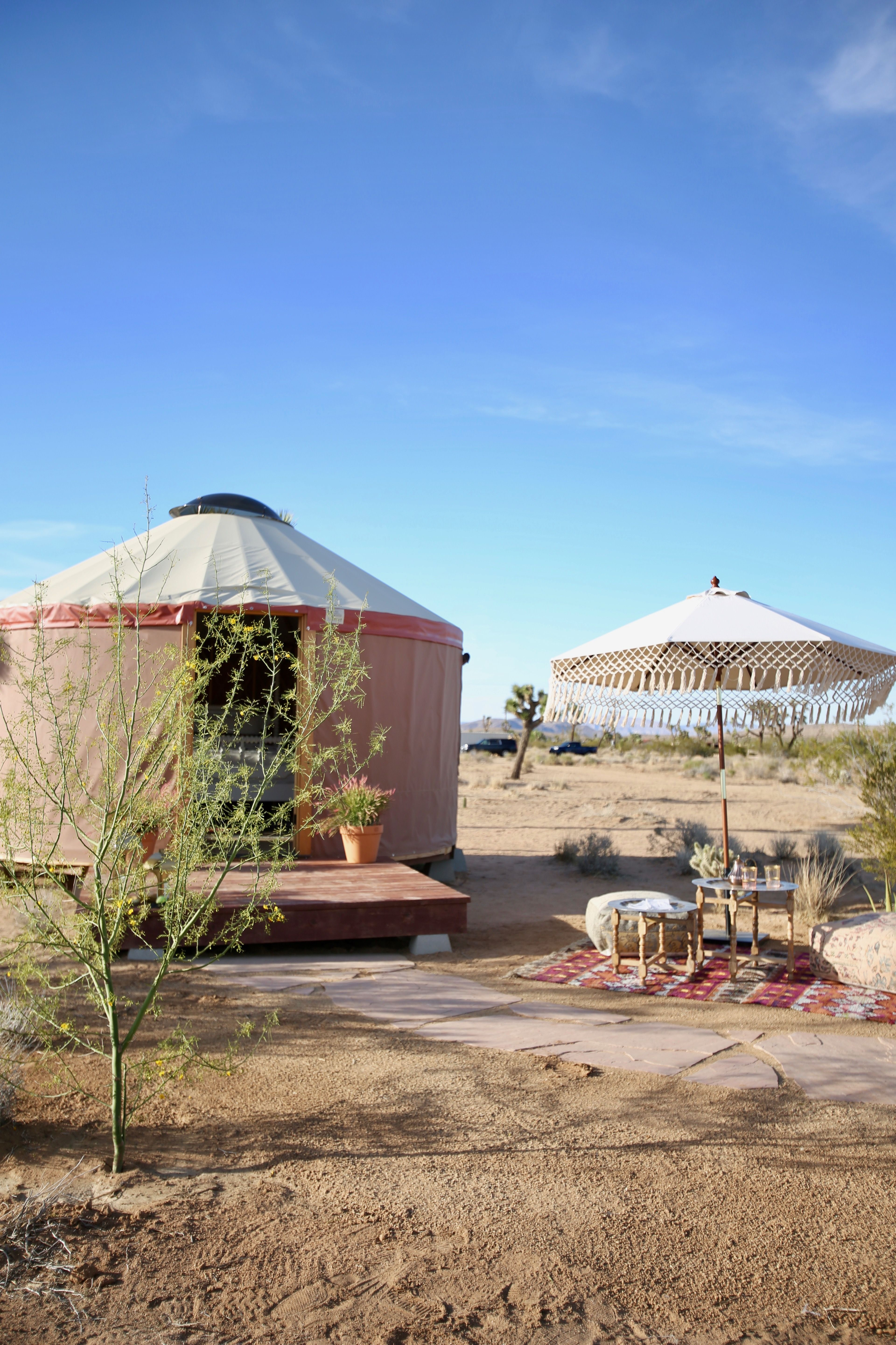 Yurt Joshua Tree : Established in 1983, we have been your place to stop in for great food, refreshing cocktails, and friendly people.