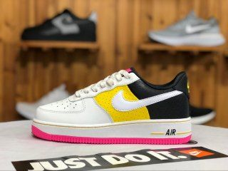 pretty nice f77cb 2e7ca Mens Womens Nike WMNS Air Force 1  07 SE Moto Pink sweetheart AT2583-100  Running Shoes