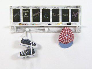 Manualidades y artesan as perchero con pizarr n for Utilisima decoracion de interiores
