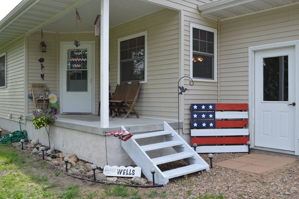 Pallet flag, project created by granddaughter for her Mom ...