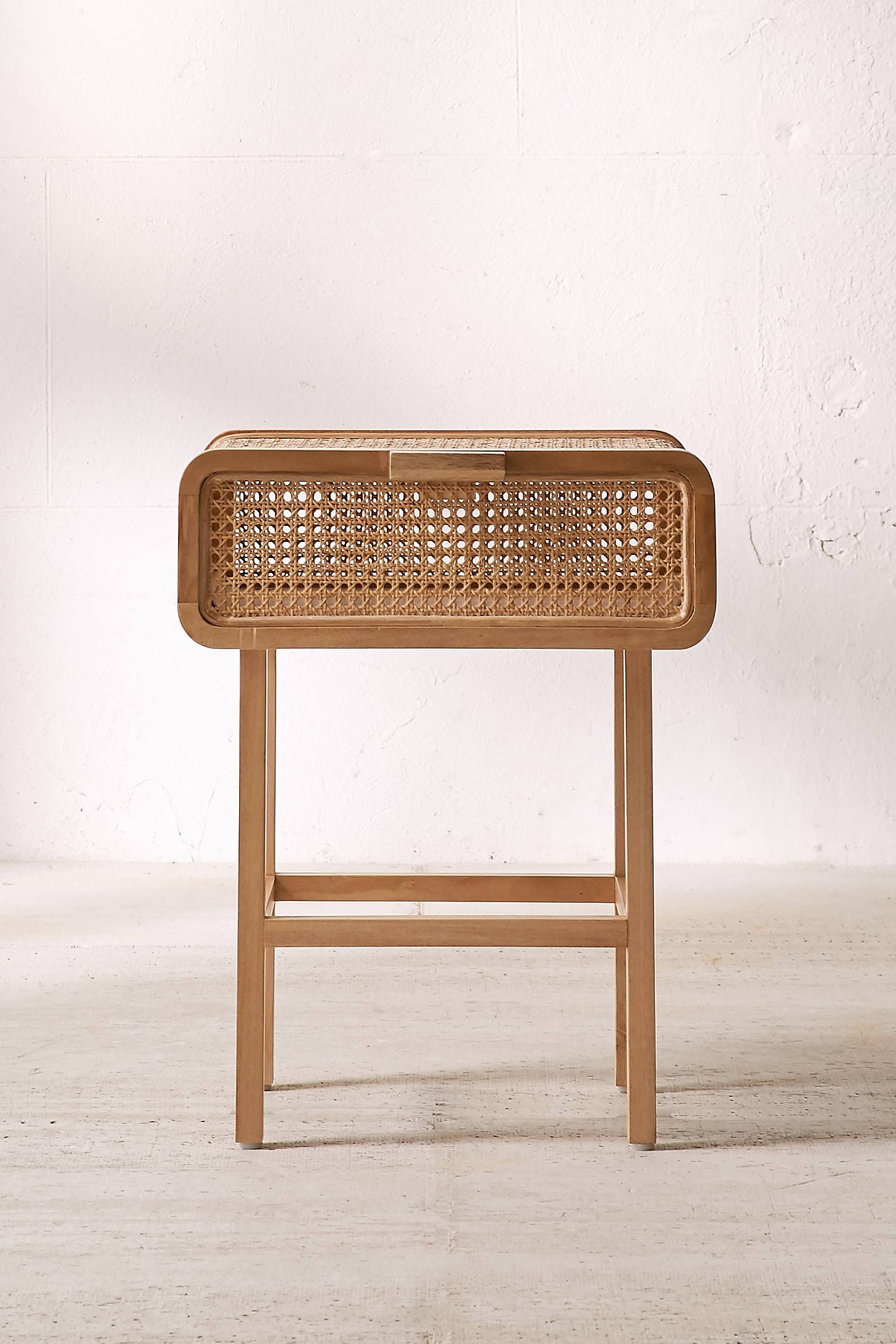 Amazing Marte Rattan Side Table
