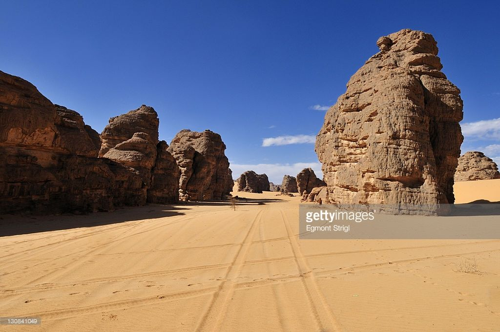Photo : Sandstone rock formation at Tikobaouine, Tassili n'Ajjer National Park, Unesco World Heritage Site, Wilaya Illizi, Algeria, Sahara, North Africa