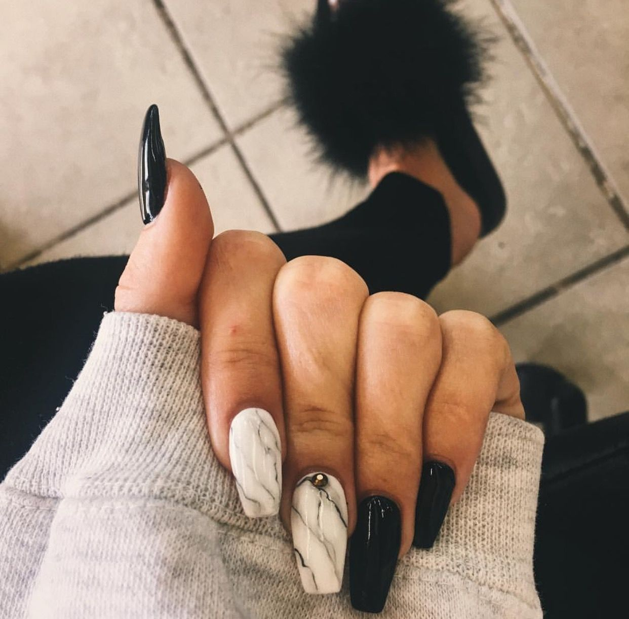 marble and black nails | Nails | Pinterest | Black nails, Marbles ...
