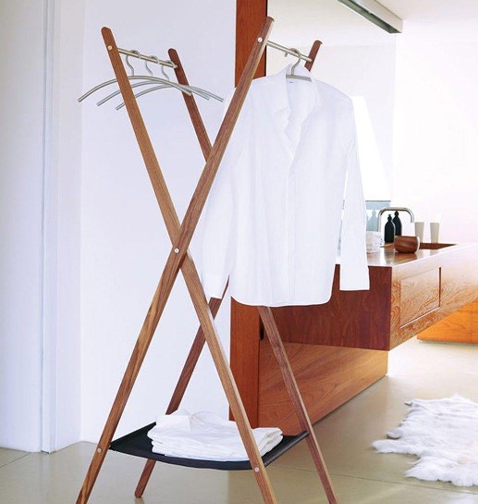 Der Klappbare Kleiderständer Aus Holz Ist Ein Echt Praktisches Möbel, Denn  Sie Können Ihn Mit Einem Handgriff Dort Aufstellen, Wo Sie Ihn Benötigen.