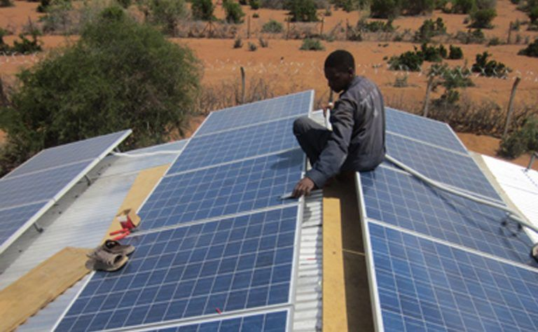 Kenya To Connect 250 000 Households In 14 Counties To Solar Power In 2020 Solar Solar Power Off Grid Solar
