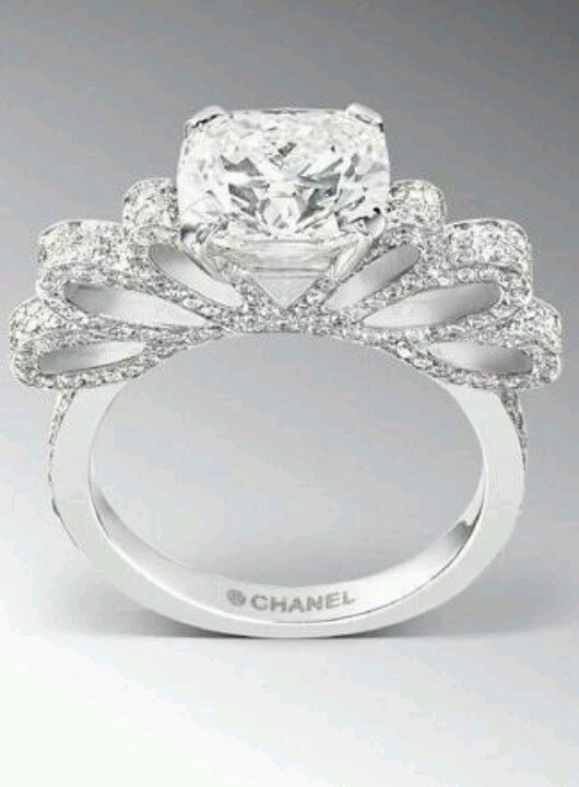 Chanel ruban ring 1932...if only i could afford one!