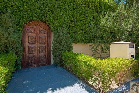 Entry to Desert Nest  Find this home on Realtor.com
