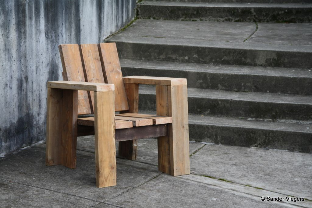2×4 Chair Modern Furniture From Common Lumber By Sander 400 x 300