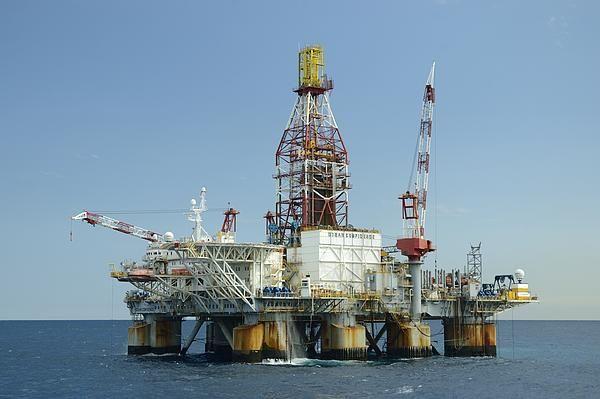 Ocean Confidence Drilling Platform By Bradford Martin Oil Rig Oil And Gas Oil Platform