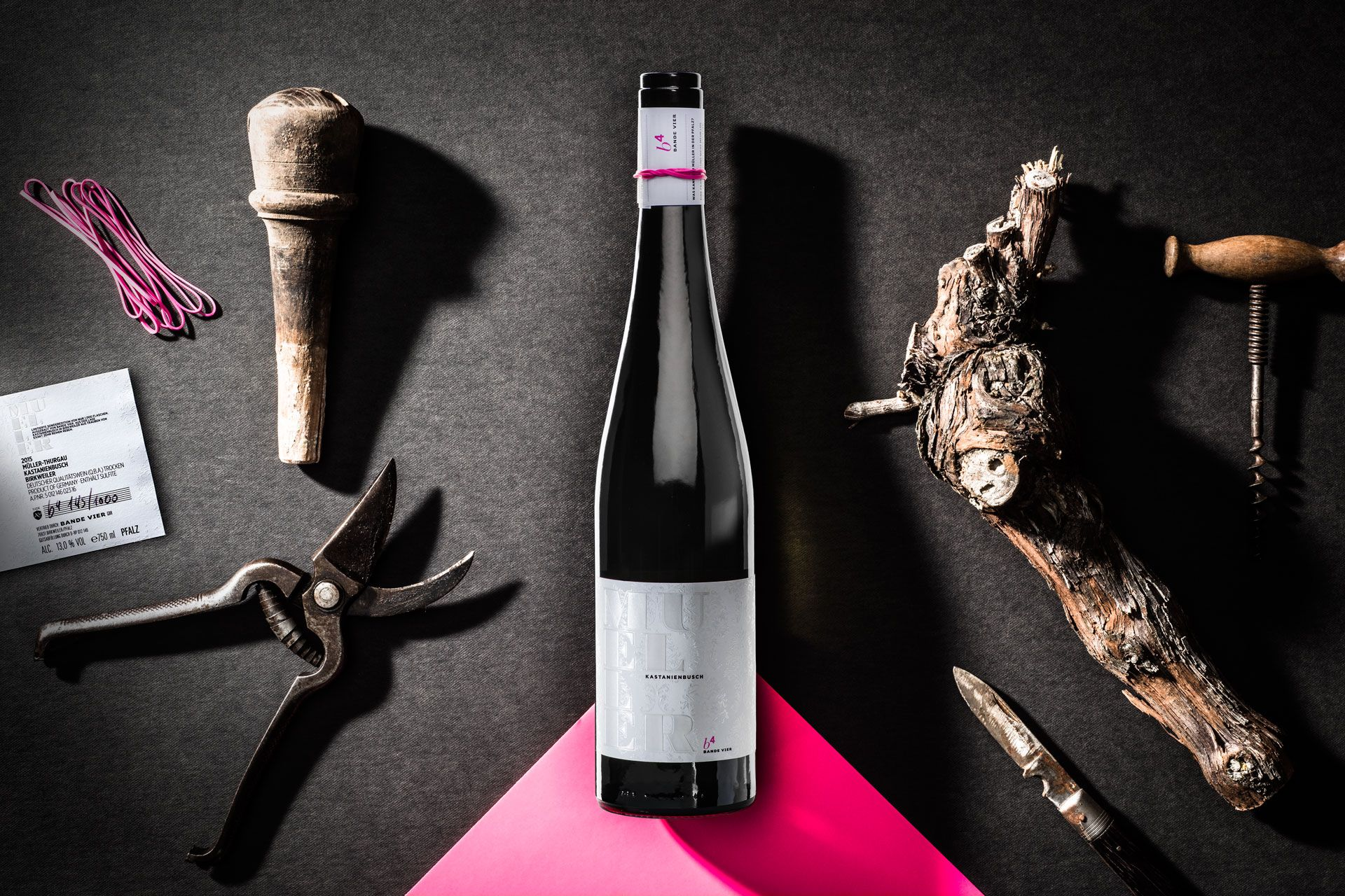 Branding and packaging design by www.magneticstories.com for the Mueller – a unique and stunning wine from the southern Palatinate in Germany.  #packaging #design #packagingdesign #branding #wine #graphicdesign #embossed #awesome #magneticstories