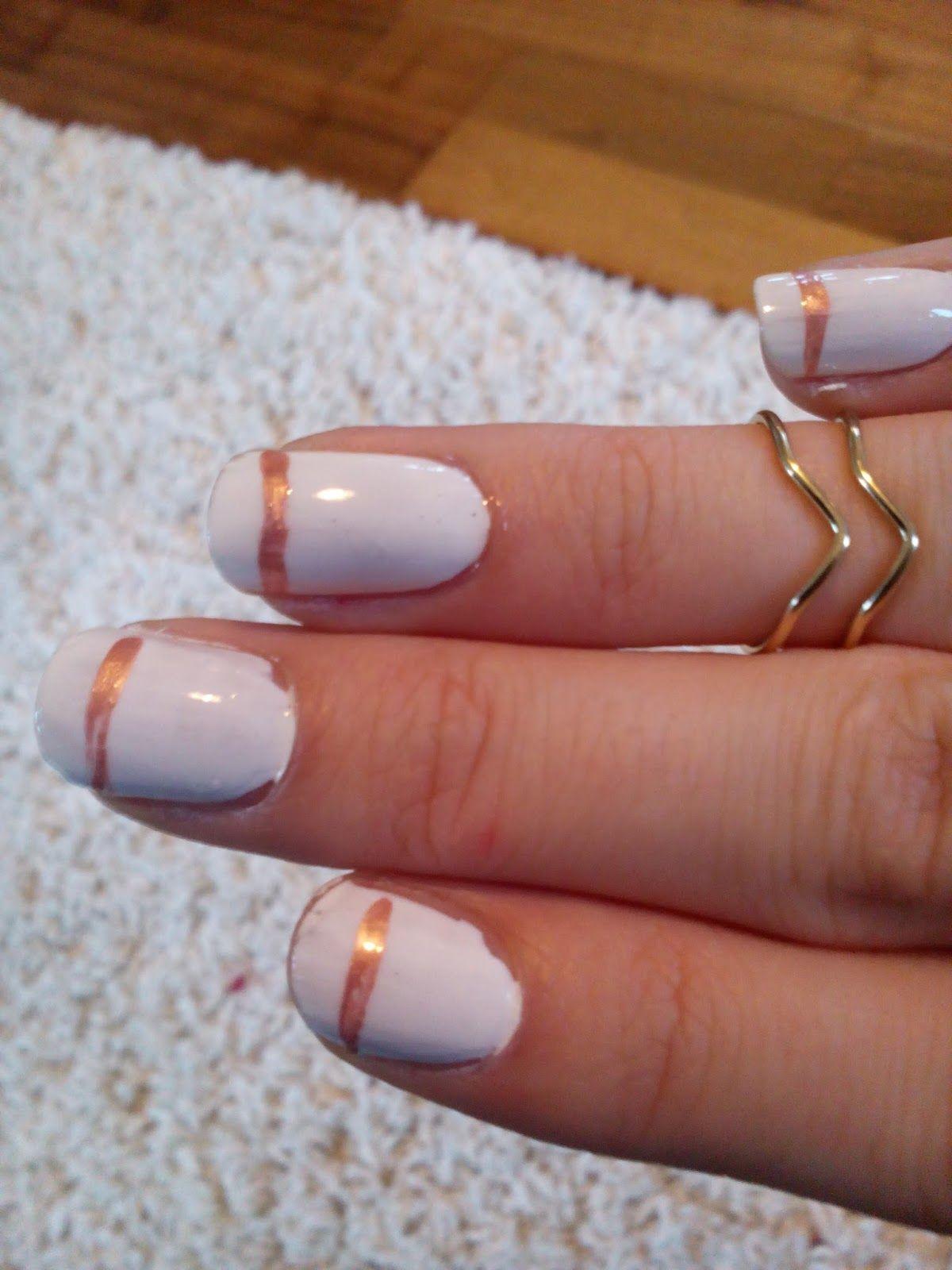 Ich liebe Nagellack und habe heute dieses schöne Dezente Nail Art für euch. Man kann es im Sommer, Winter, Herbst und Frühling tragen und...