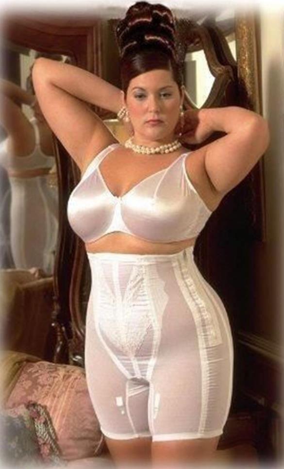Nude bbw in satin lingerie porn photo