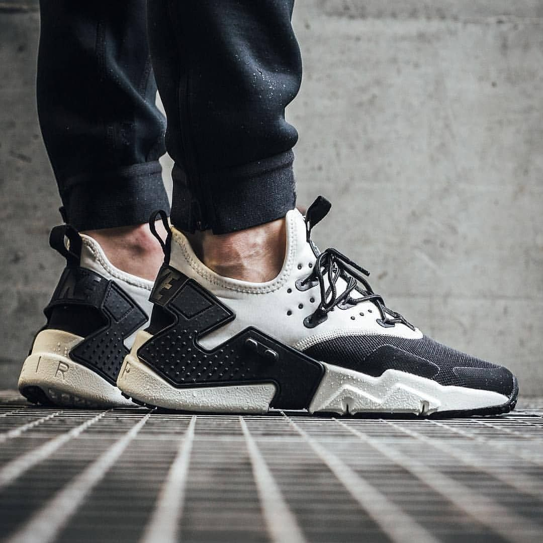 df5ba270b5ab6 Nike Air Huarache Drift