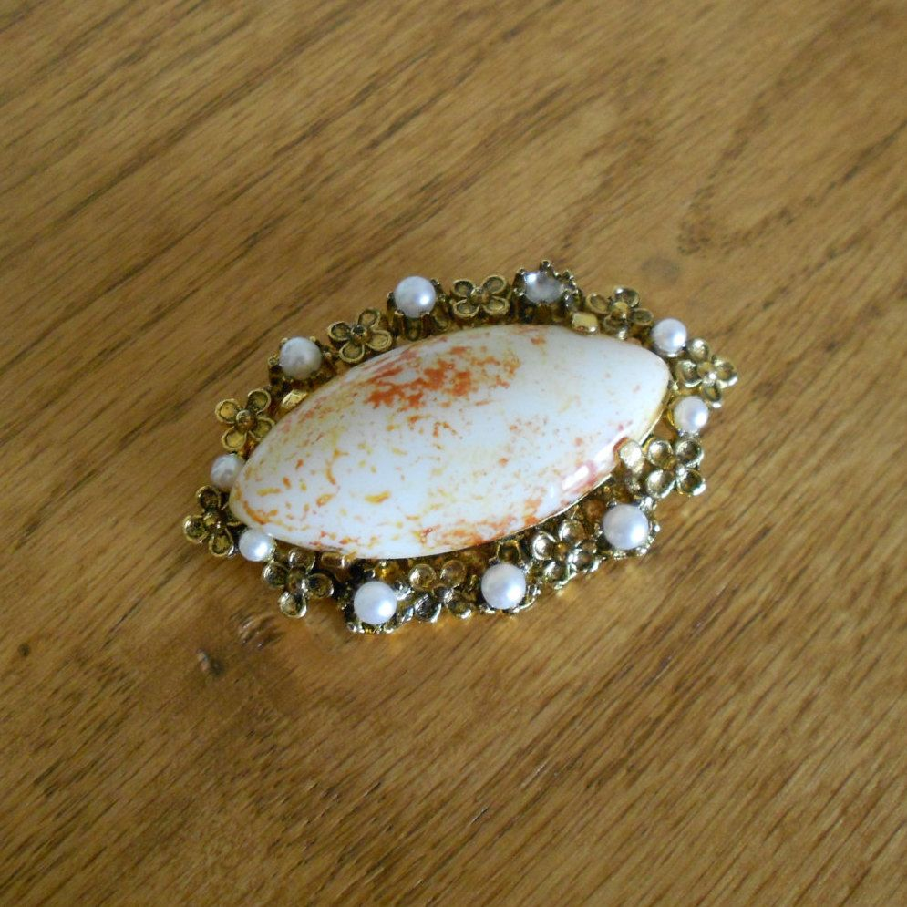 Vintage brooch.  Spotted milk stone or cabochon. by pnpvintagegeneral on Etsy